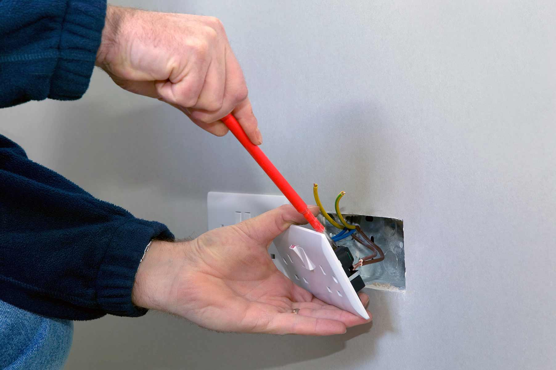 Our electricians can install plug sockets for domestic and commercial proeprties in Covent Garden and the local area.